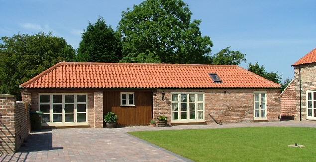 West Range - The Bull Shed Self Catering Holiday Cottage